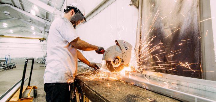 michael browning WbjdcWUyLRQ unsplash 720x340 - Hvilke fordele opnår virksomheder ved at investere i et exoskelet?