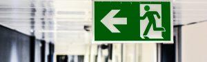 Reducer faren for brandspredning i din virksomhed med røggardiner
