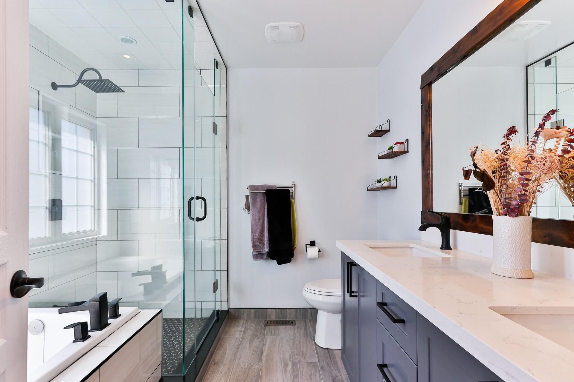 sidekix media g51F6 WYzyU unsplash 1 - Drømmer du om et nyt badeværelse?