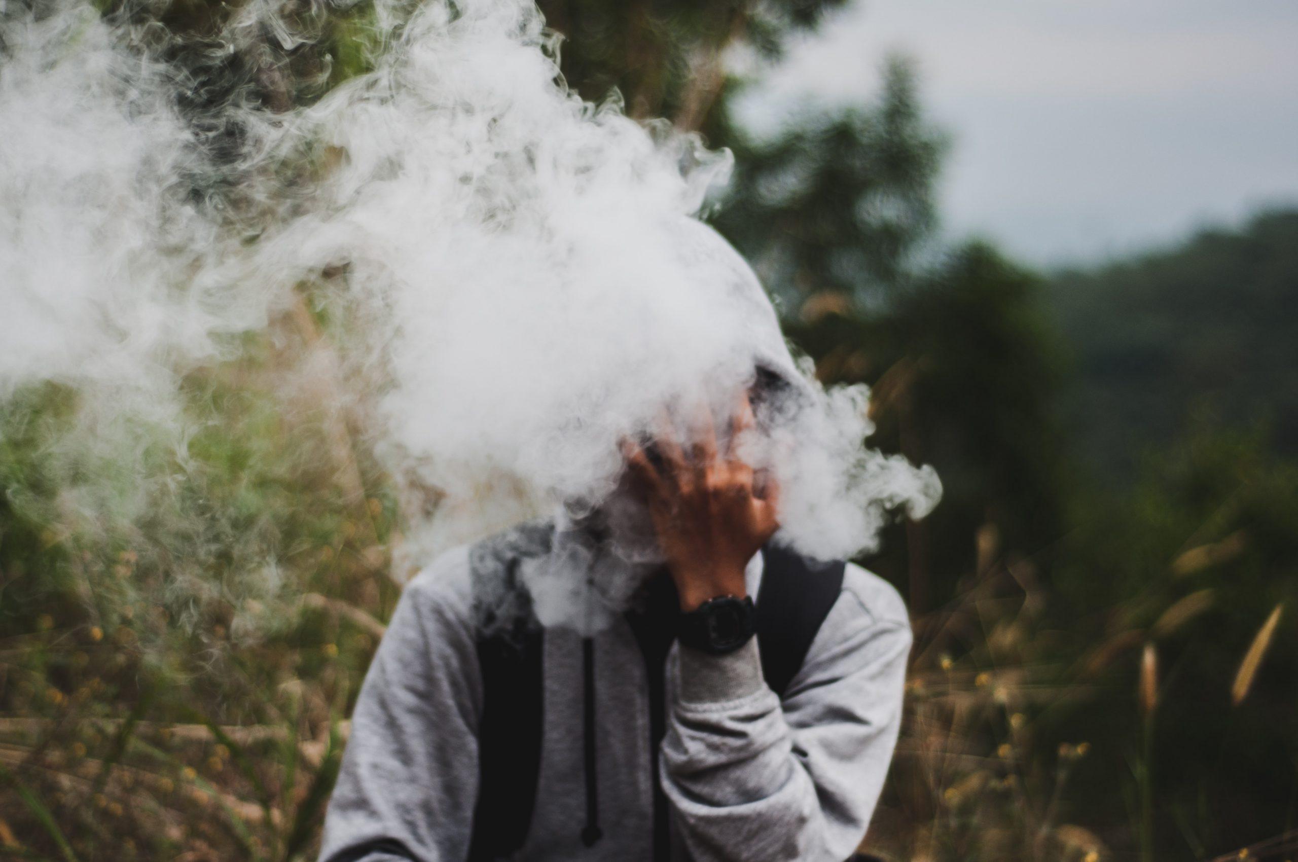 afiq fatah  Mr4phtyNGs unsplash scaled - Vælg en smart og brugervenlig e-cigaret
