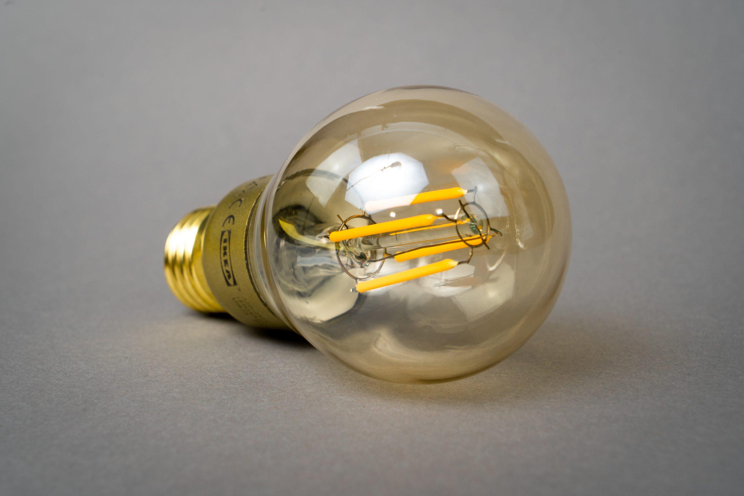 mika baumeister oXb5tA61wI unsplash scaled - Alt du bør vide om LED-pærer